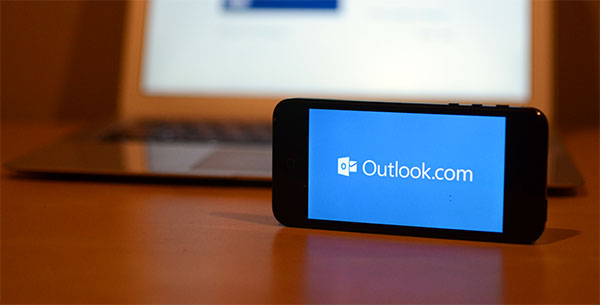 set up Outlook.com email on iPhone