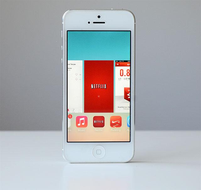 iOS 7 app refresh reset