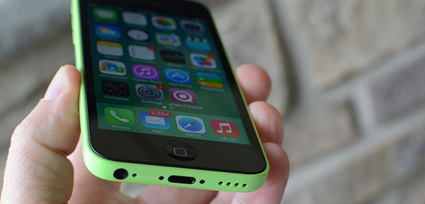 iPhone 5c bottom