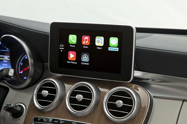 Mercedes Benz CarPlay