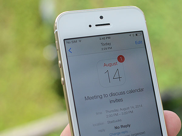 Send Calendar invites on iPhone